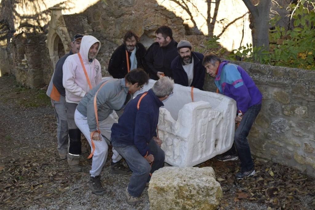2 dplacement sarcophageR